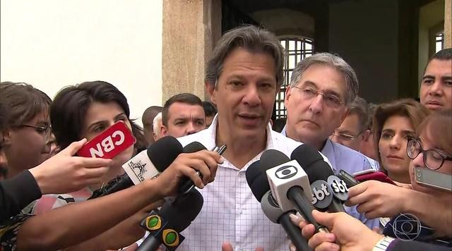 Fernando Haddad (PT) participa de ato público em Minas Gerais