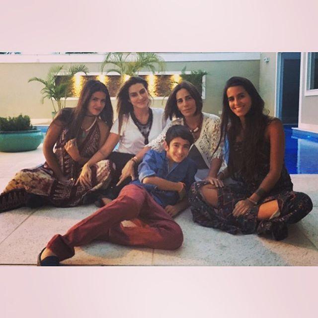 Gloria Pires e os filhos (Foto: Reprodução Instagram)