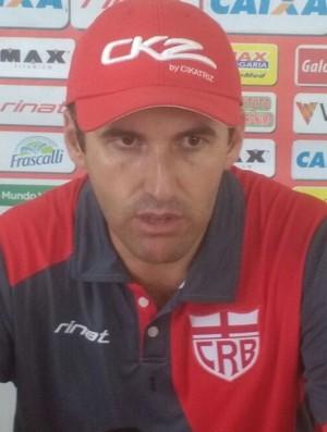 Léo Condé, técnico do CRB (Foto: Denison Roma)