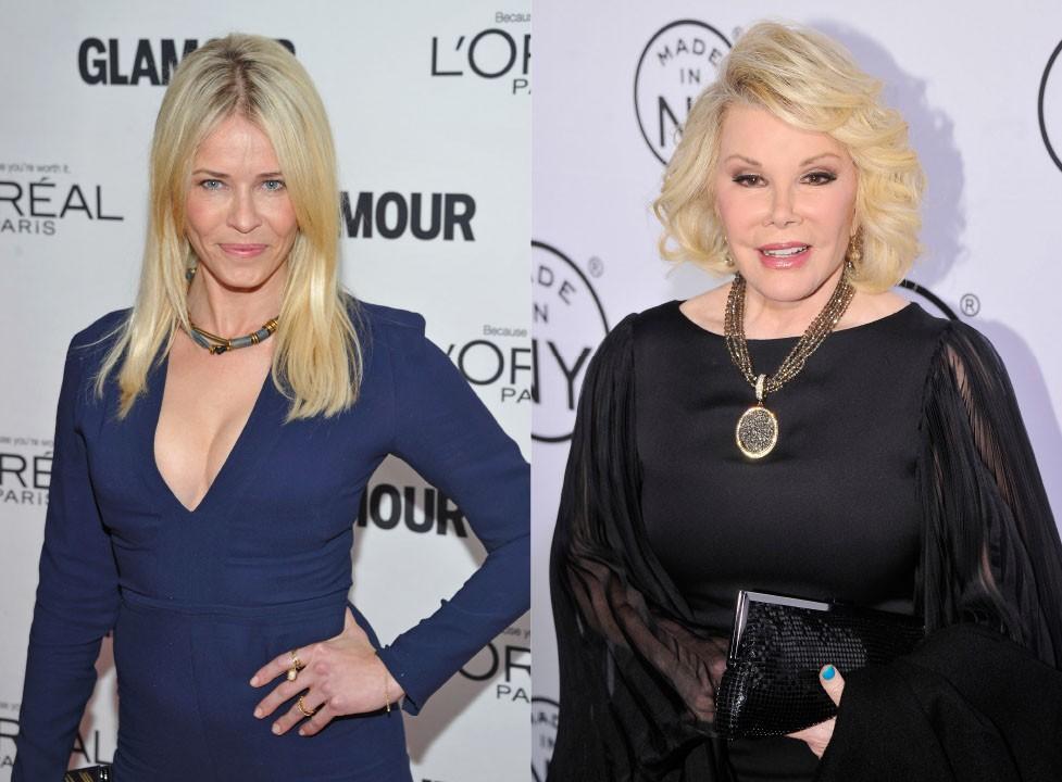 """As duas comediantes jogam farpas entre si constantemente. Joan disse que Handler era """"uma garota comum que dormiu com alguém para subir na vida"""". E Chelsea respondeu """"Quem se importa com Joan Rivers?"""". (Foto: Getty Images)"""