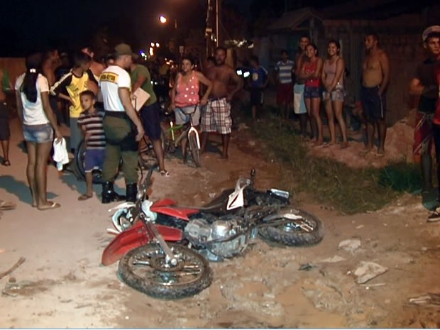Após a colisão, o menino foi arrastado por alguns metros  (Foto: Reprodução/ TV Tapajós)