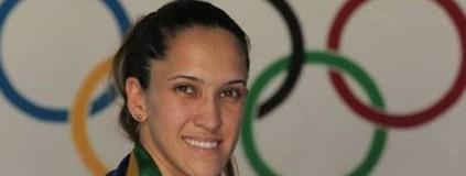 Iris busca ganhar massa até o Rio 2016 (Carla Sofia Flores / Assessoria de Imprensa da CBTKD)