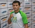 """Formiga quer """"lutar com alegria"""" para vencer Makovsky e embalar no UFC"""