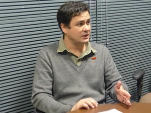 Rodrigo Tomazini dá entrevista ao G1 (Foto: Thais Skodowski/ G1)