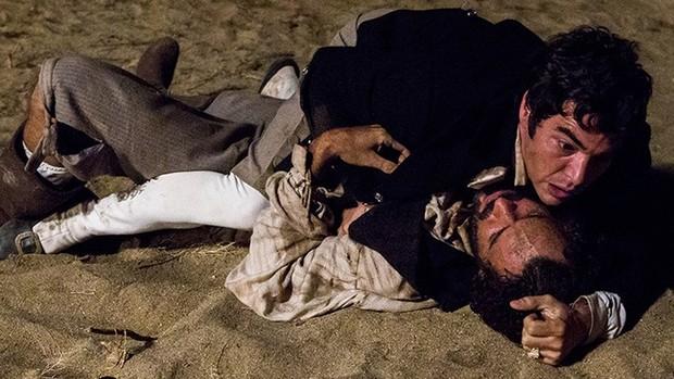 Liberdade, Liberdade: Xavier é atingido por tiro de Simão (Liberdade, Liberdade)
