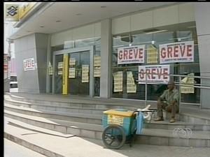 Greve dos bancários no Tocantins completa uma semana nesta quinta-feira (26) (Foto: Reprodução/TV Anhanguera)