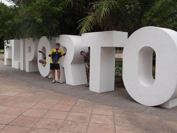 Palavra Fliporto sofrerá intervenções de vários artistas. (Foto: Katherine Coutinho / G1 PE)