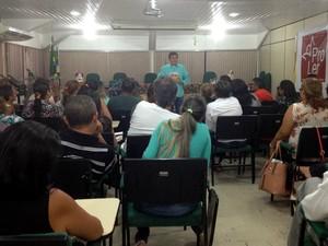 Encontro mostra novas técnicas de incentivar a leitura em salas de aula, em Macapá (Foto: Fabiana Figueiredo/G1)