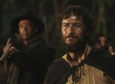 Thomas ameaça grupo de Anna e Fred na busca pelo Galeão