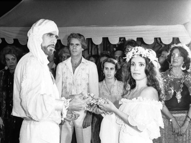Tião Bento (Francisco Cuoco) e Luana Camará (Regina Duarte) em Sétimo Sentido