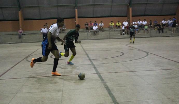 Sportiva/Super Patos e APEC/R10 se enfrentaram pelo Piauiense de Futsal 2014 (Foto: Wenner Tito)