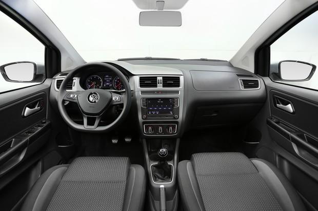 Interior do Volkswagen Fox Connect 2018 (Foto: Divulgação)