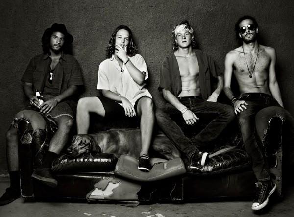 Pedro (o terceiro, da esquerda para a direita) e os músicos da banda Fuze (Foto: Divulgação)