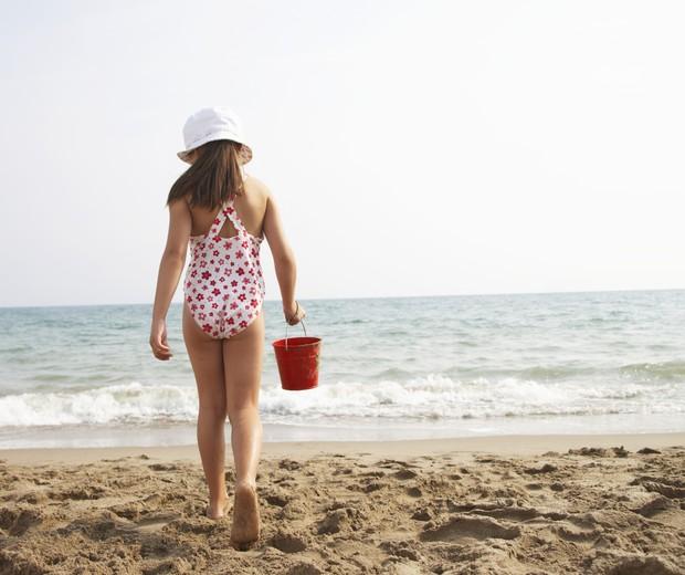 Criança praia (Foto: ThinkStock)