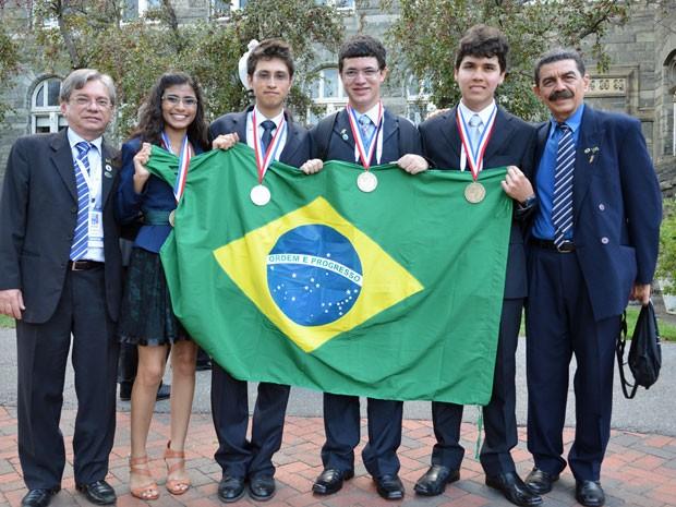 Vitória, Daniel, Gabriel e Ramon (Foto: Inacio Hara/ Divulgação)