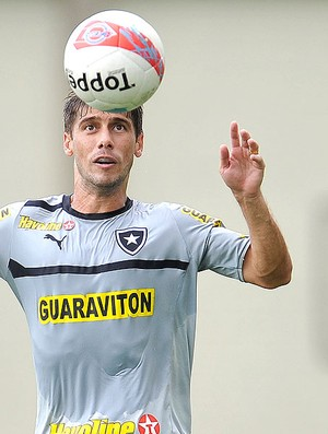 Fellype Gabriel treino Botafogo (Foto: Fábio Castro / Agif)