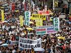 Hong Kong tem protesto no aniversário da devolução para a China