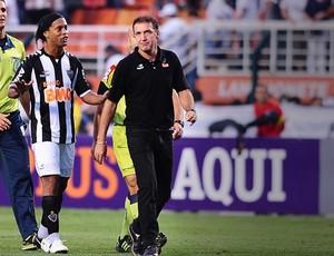 ronaldinho gaucho cuca atlético-MG Corinthians (Foto: Marcos Ribolli / Globoesporte.com)