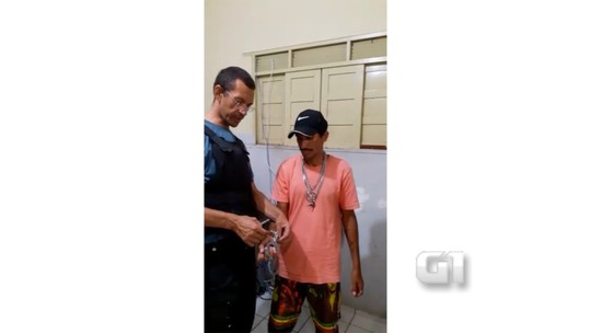 PM reclama de estrutura, abre algema e solta preso no RN; veja vídeo