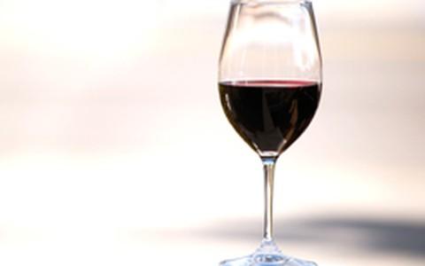 Vinho sem álcool tem mais benefícios para o coração do que versão clássica