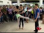 Bailarino do ES vence dificuldade e vai dançar no Canadá