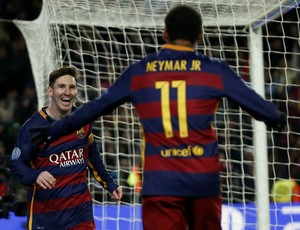 Neymar e Messi gol Barcelona x Roma (Foto: Reuters)