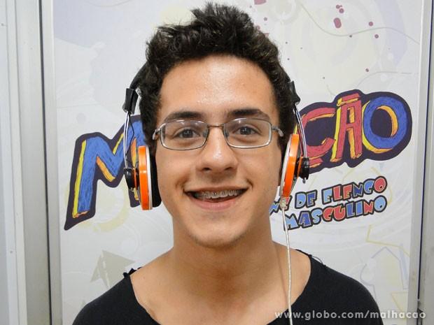 O ator sonha em dirigir um filme. Se inspirou em Orelha? (Foto: Malhação / Tv Globo)