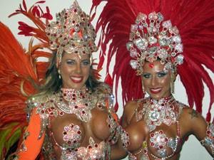 Irmãs Tatiana e Ana Paulo Minerato, musas da Gaviões da Fiel (Foto: Marcelo Mora/G1)