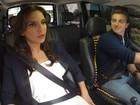 Ivete pega carona no táxi de Luciano Huck e leva fãs para o Caldeirão