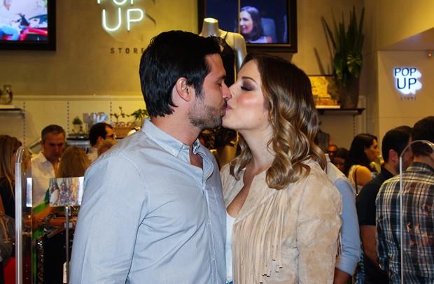 Fabiana Justus e o marido, Bruno (Foto: Manuela Scarpa/Foto Rio News)