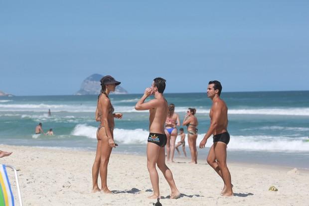 Ex BBB Rafa na praia da Barra da Tijuca (Foto: Dilson Silva/AgNews)