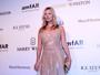 Kate Moss teria se alterado em avião porque queria bebida alcoólica, diz TV