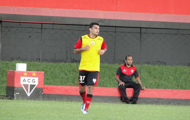 Felipe Brisola, meia do Atlético-GO (Foto: Divulgação/Atlético-GO)
