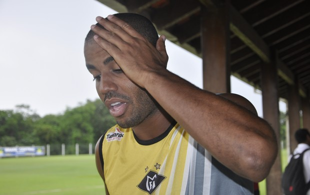 Atacante Felipe Adão do Mixto (Foto: Robson Boamorte/GLOBOESPORTE.COM)