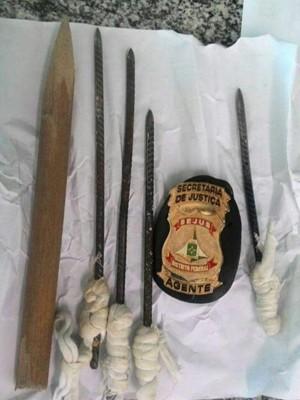 Armas feitas pelos adolescentes e usadas na tentativa de fuga (Foto: Divulgação)