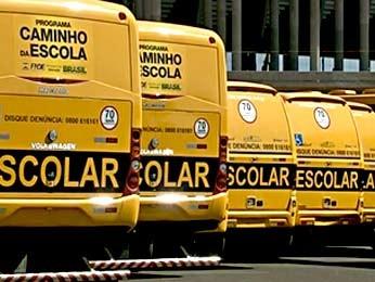 Ônibus escolares parados há dois meses no DF (Foto: Reprodução/TV Globo)
