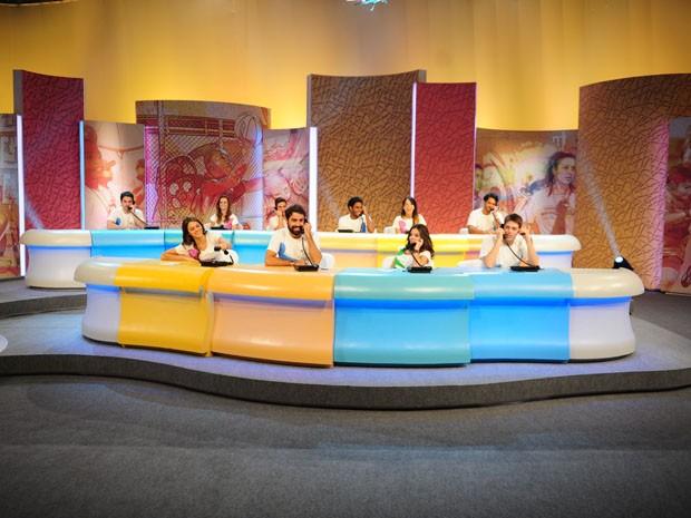 Artistas se reúnem para participar do Mesão da Esperança. (Foto: João Cotta/Globo)