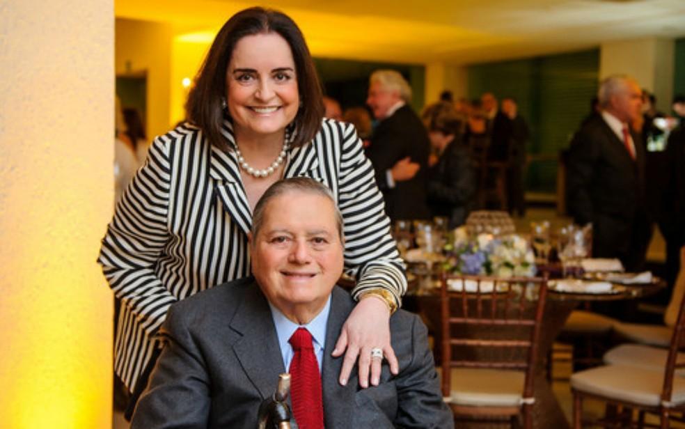 Embaixatriz Lúcia Flecha de Lima e o marido, o ex-embaixador Paulo de Tarso Flecha de Lima (Foto: Reprodução)