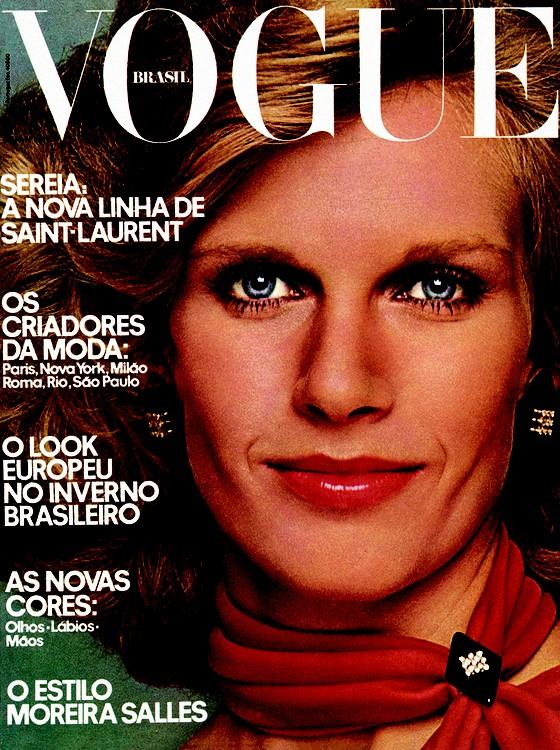A primeira capa da Vogue Brasil foi estampada pela socialite Betsy Salles, então Monteiro de Carvalho (Foto: Otto Stupakoff)