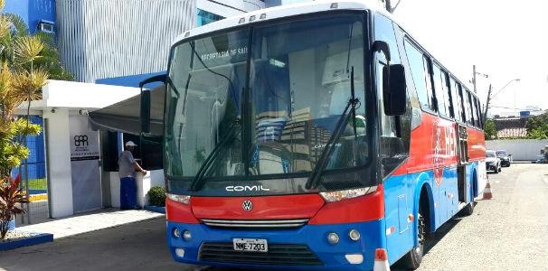 Ônibus do Hemoal chega à TV Gazeta  (Foto: Divulgação/ Marketing OAM)