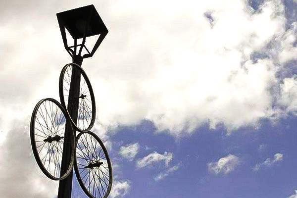 A bike estava até na decoração das Ruínas de São Francisco, para a Musicletada (Foto: Euricles Macedo/RPC TV)