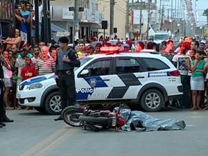 Crime aconteceu em bebedouro, Linhares, neste domingo (4) (Foto: Reprodução/ TV Gazeta)