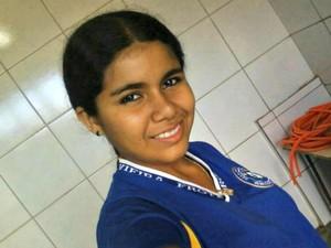 Vanessa Sousa da Costa, de 13 anos, está desaparecida desde domingo (23) por volta das 16h30, em Vista Alegre do Abunã (RO) (Foto: Facebook/Reprodução)
