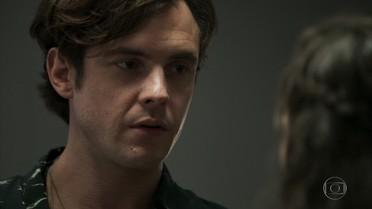 Clara recusa o pedido de Gael para voltarem