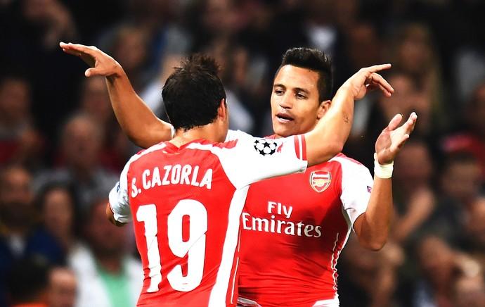 Alexis Sanchez comemora gol Arsenal x Besiktas (Foto: Getty Images)