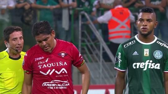 Parceiro de Alex Silva, boliviano chama a atenção por forma física. Veja