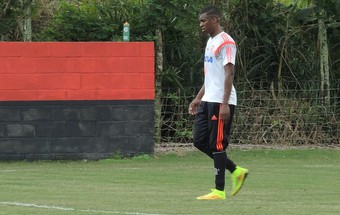 Erazo Flamengo treino (Foto: Cahê Mota)