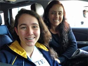 Claudia Mestieri, mãe de Sofia, não tem Facebook, mas checa o histórico de buscas das filhas na internet (Foto: Ana Carolina Moreno/G1)