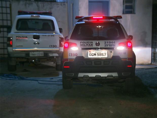 Polícia Militar tentou conter o tumulto no local (Foto: Marcelo Rodrigues/ EPTV)