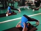 Carol Magalhães mostra a sua elasticidade em alongamento